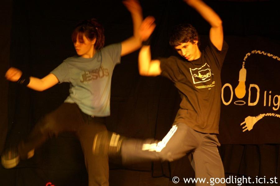 2008-pourquoi-suis-je-sur-terre-goodlight-5