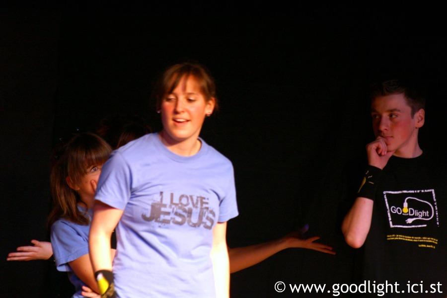 2008-pourquoi-suis-je-sur-terre-goodlight-7