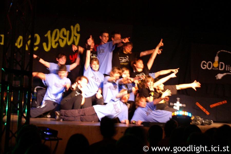 2008-pourquoi-suis-je-sur-terre-goodlight-8